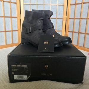 Frye Natalie short engineer boot in charcoal sz 7